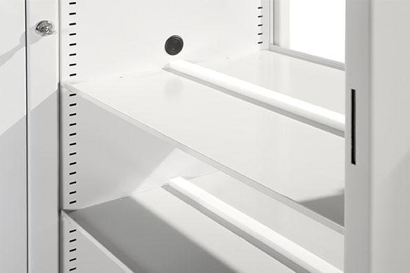 Fachboden, 8 mm Aufkantung im Schrank